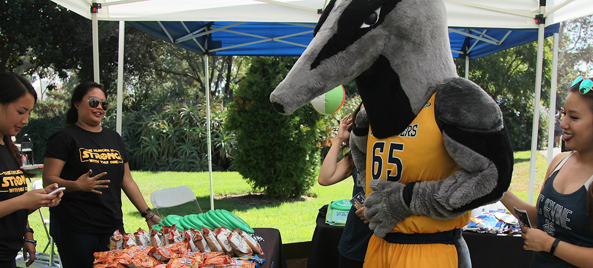 Peter gets some tips on hunger and keeping Anteaters strong.